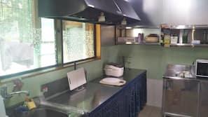 雪櫃、微波爐