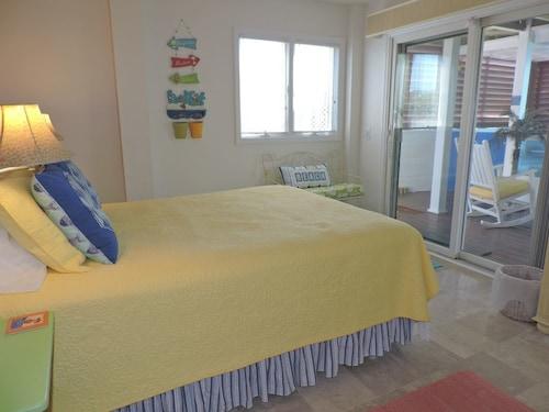 Great Place to stay Australian Gold East Duplex 4 Bedrooms 4 Bathrooms Duplex near Emerald Isle