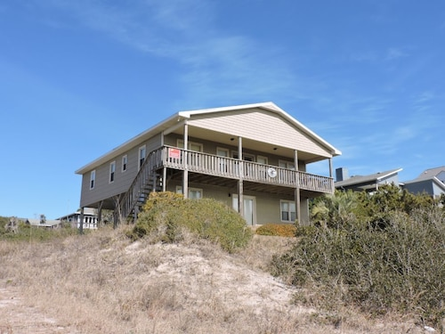 Great Place to stay Crow's Nest Private Home 5 Bedrooms 3 Bathrooms Home near Emerald Isle