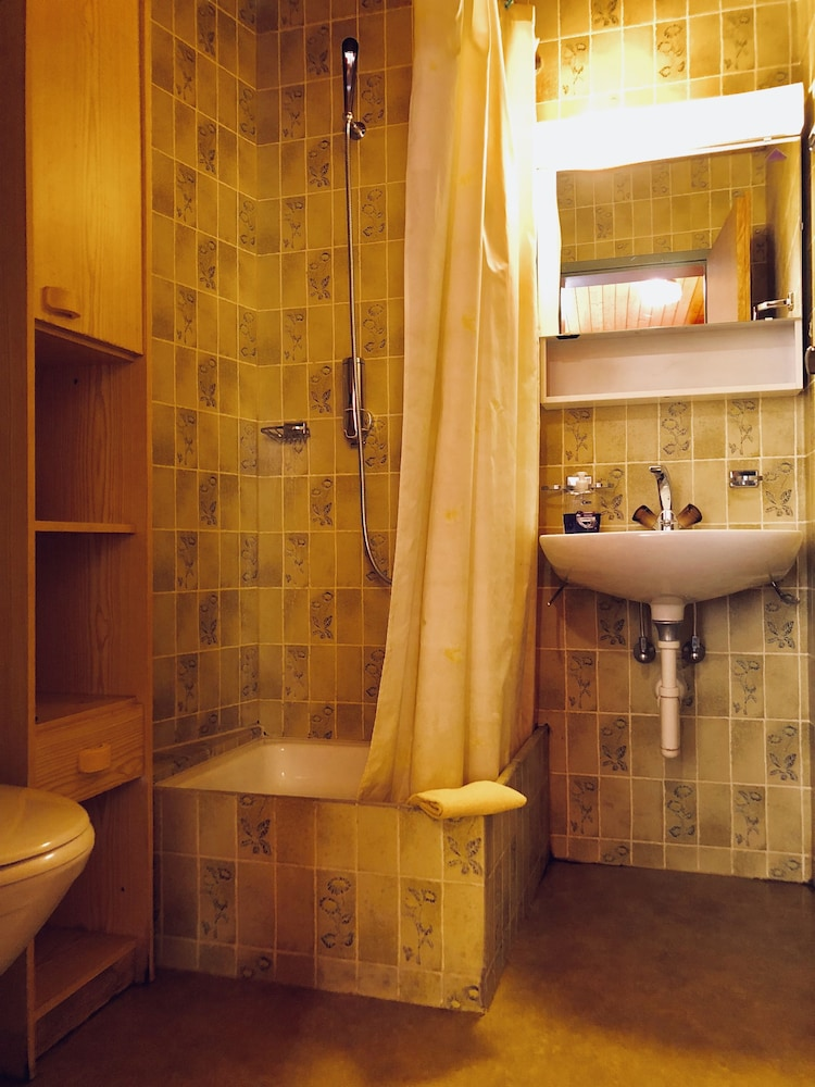 Room, central beauty scenery apartment