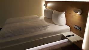 Zimmersafe, Zustellbetten, kostenloses WLAN, Bettwäsche