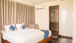 2 bedrooms, minibar, in-room safe, desk