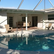 Special Offer! Entire 3 Bedrooms House, Private Pool, Ormond Beach!