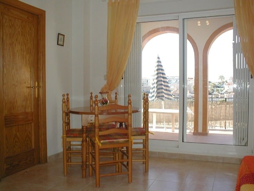 Ground Floor, South Facing Apartment in La Zenia With Solar Heated Pool