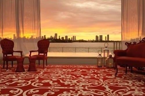 Mondrian South Beach Hotel - De Luxe Suite With Balcony Bay View