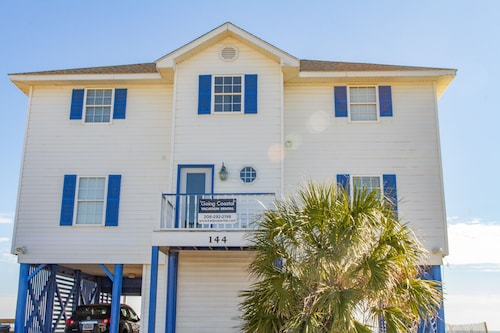 Beach Front Home Overlooking Ocean - Winter Discounts Available!