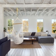 The Barn - Rustic Chic Loft - Rehabed 1890 Hay Barn - Near Lakes & Hotchkiss
