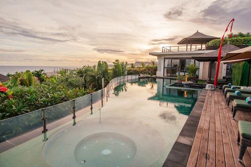 Luxury Clifftop Villas of Bali