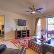1st Floor Condo; Pool, Tennis; 10 min Walk to Cubs Training & Restaurants
