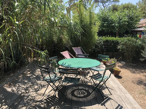 House With 3 Bedrooms in Six-fours-les-plages, With Enclosed Garden and Wifi - 700 m From the Beach
