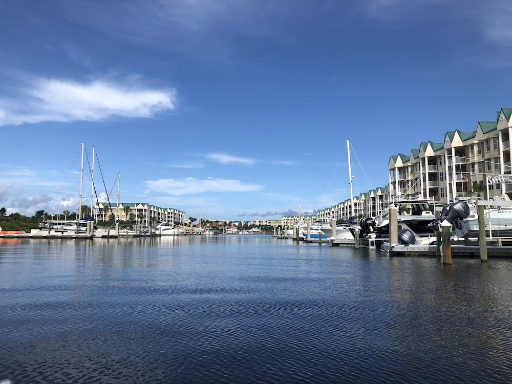 Harbour Village: Golf, Marina and Most Spectacular Beach in