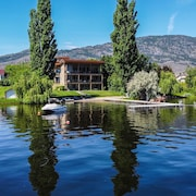 3 Bdrm Condo, Lakefront Superb Location in Osoyoos, Private Beach