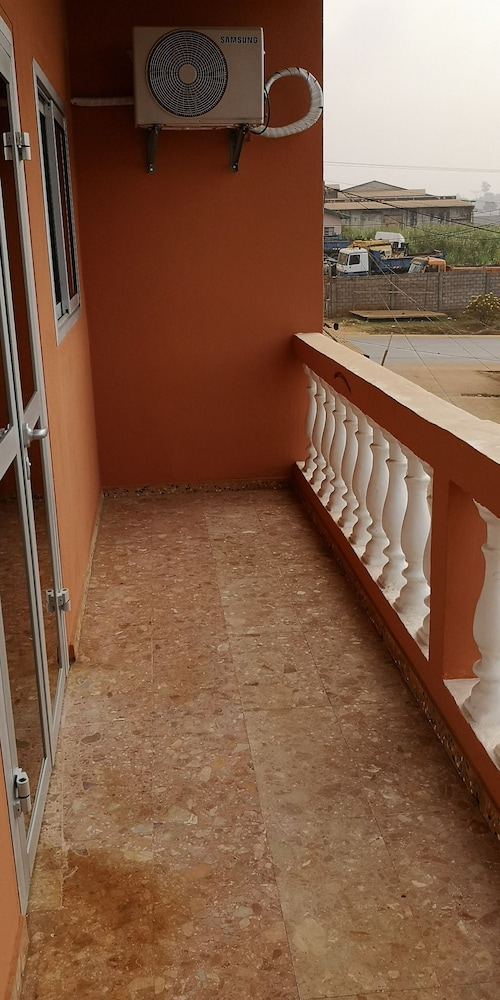 Balcony, Best appart - Yaounde