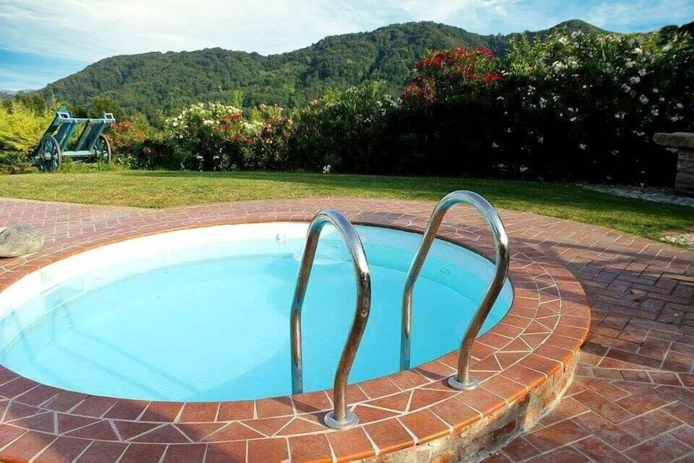 Outdoor Spa Tub, Barbera's Home