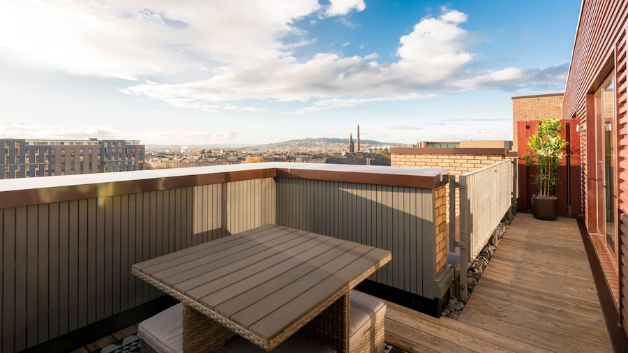 Silver Lining - Penthouse with parking