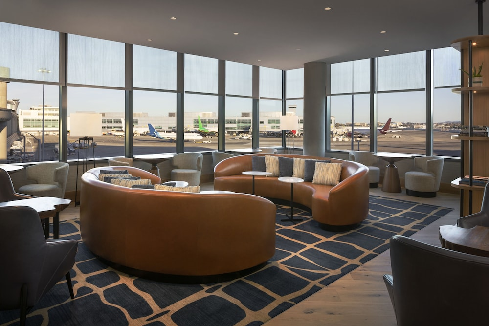 Executive Lounge, Grand Hyatt at SFO