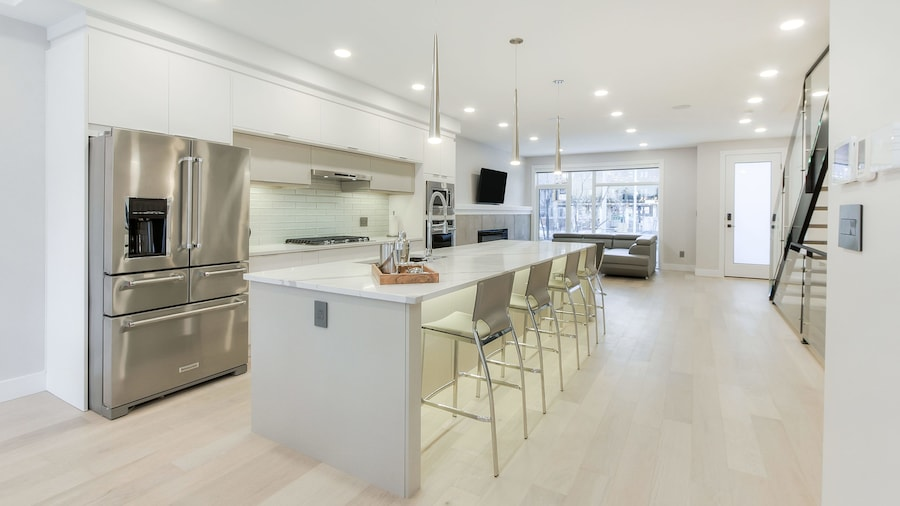 NEW LUXURY TOWNHOME 23
