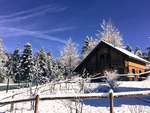 Chalet Jeanne With Wifi, Private Jaccuzi & Sauna 2min From the ski Slopes