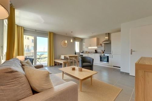 Hardelot-plage, Apartment in a Luxury Villa on the Seafront