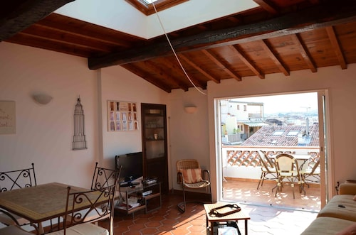 Located in the Old Antibes, 2 Steps From Shops, Including 2 to 4 Beds