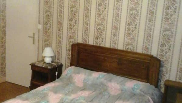 2 Schlafzimmer, Bügeleisen/Bügelbrett, Babybetten