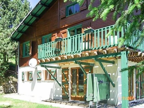 Large T4 Apartment at the Bottom of the Chalet, in Pyrénées 2000, Renovated in 2011
