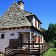 Traditional Chalet 5 Minutes From Super Lioran, Ideal for Your Mountain Holidays