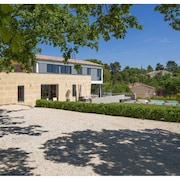 Contemporary Architect House 4 Bedrooms, 3 Sde, With Heated Swimming Pool