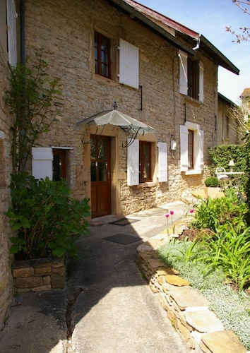 Stone House of 165 m2 With Garden and Swimming Pool