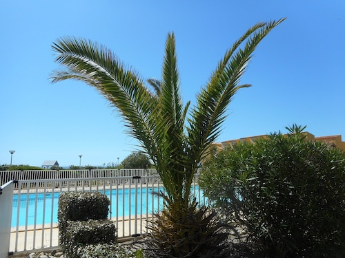 APT Direct Access Sea Pool in Port Leucate