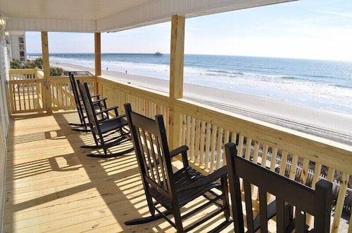 Oceanfront Pet Friendly House-cherry Grove, North Myrtle Beach