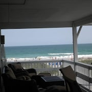 Awesome Views! Beach House on Wrightsville Beach 6 BR. 4 BA