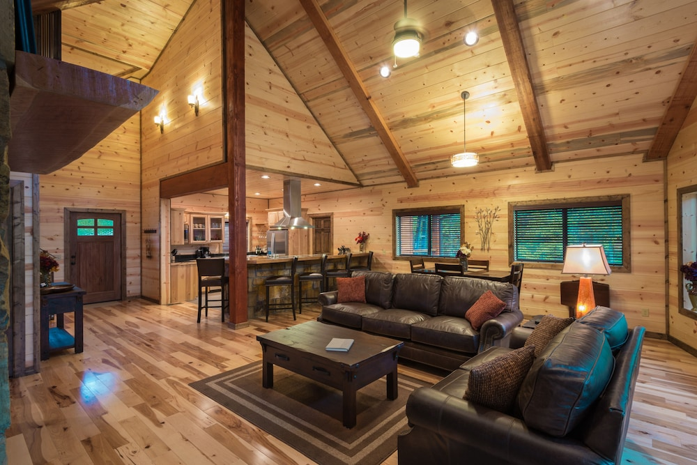 Living Room, Crystal Ridge, Steam Spa, Game Room, Pool Table, Hot Tub, Wood-burning Fireplace
