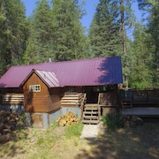 Getaway Cabin Ideally Located Between Wolf Creek and Pagosa Springs!