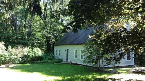 Newly Renovated 18th Century Cottage On 4 Acres