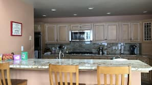 Dining tables, kitchen islands