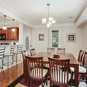 Near French Quarter - 4 Bdrm Home - LOW Rates! - Safest Neighborhood