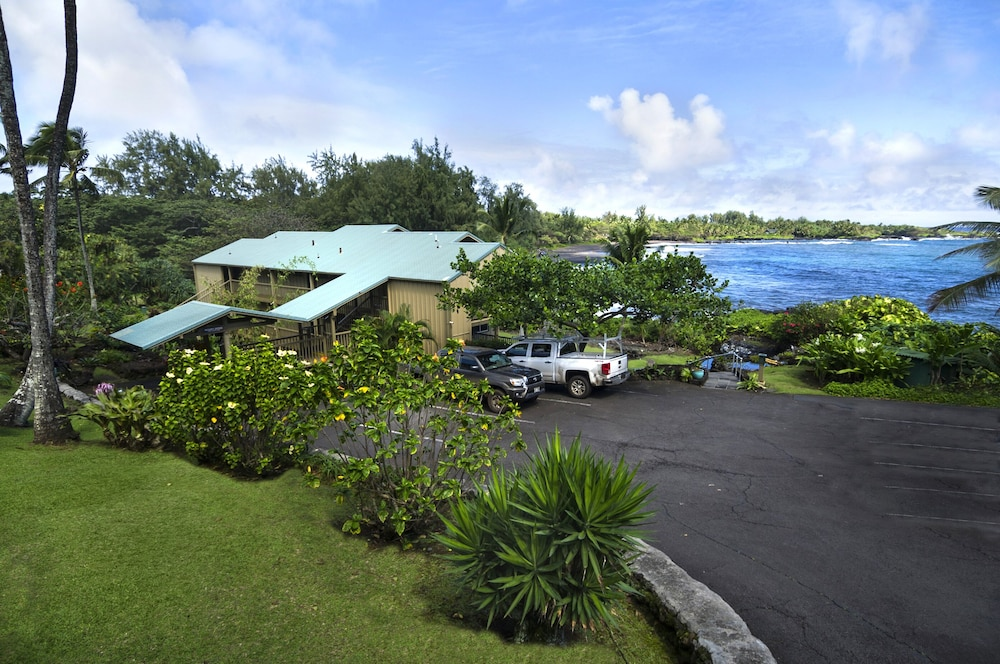 Property Grounds, Hana Kai Maui - Oceanfront