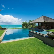 Hale Ohana - Private Luxury Villa/infinity Pool/surf Boards/boogie Boards/beachfront