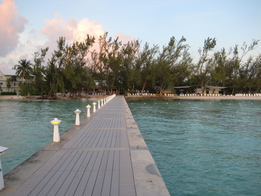 Lake, Rum and Kai - Beach Front 1 Bedroom - Rum Point, Grand Cayman