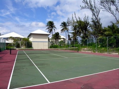 Sport Court, Rum and Kai - Beach Front 1 Bedroom - Rum Point, Grand Cayman