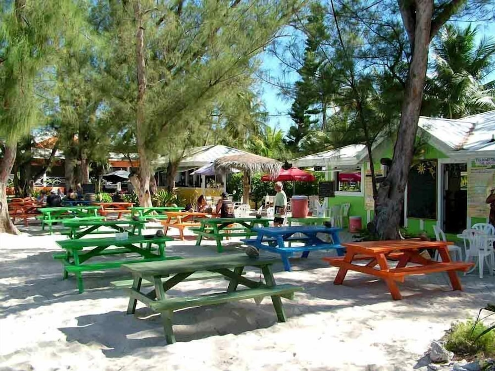 Property Grounds, Rum and Kai - Beach Front 1 Bedroom - Rum Point, Grand Cayman