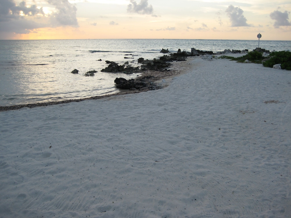 Beach, Rum and Kai - Beach Front 1 Bedroom - Rum Point, Grand Cayman
