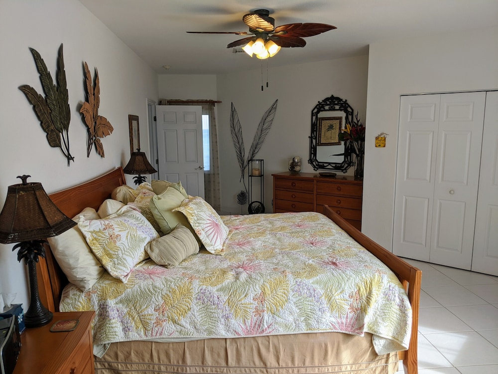 Room, Rum and Kai - Beach Front 1 Bedroom - Rum Point, Grand Cayman