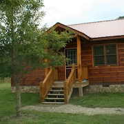 Bear Claw Cabin - Get Away From it all in the North Georgia Mountains!