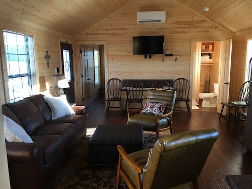 Crooked Creek Ranch Cabin 5