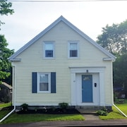 Pendleton Place: Comfort and Charm Just Steps From Downtown Rockland