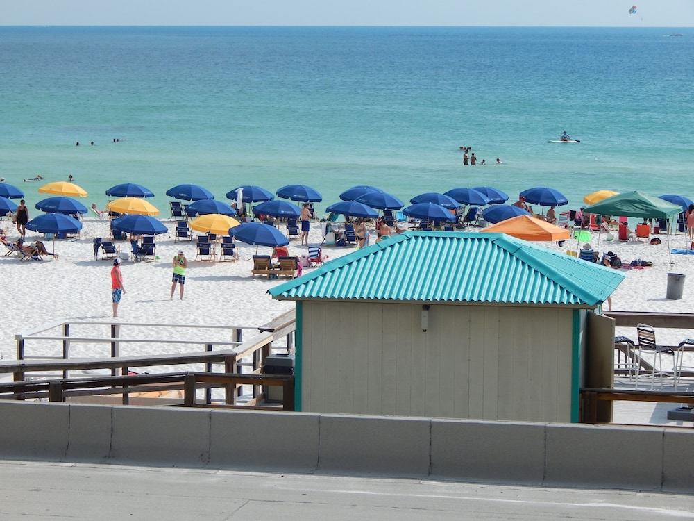 Beach, Beautiful Beach Front, Balcony Views, Paradise in Destin