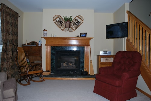 Quiet Setting In Close Proximity To Downtown Lake Placid And Area Activities