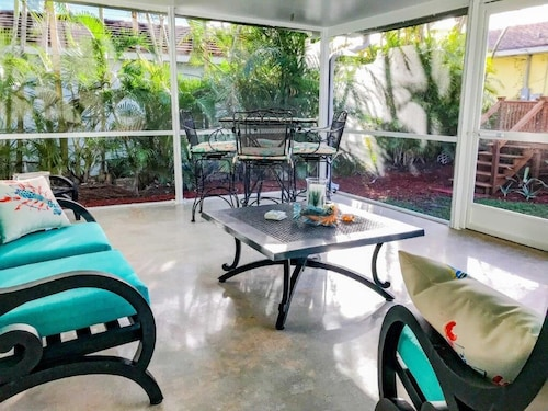 Beaches, Singer Island, Available December 1-20, Book Now, Dog Friendly